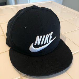 Nike True Beaverton SnapBack Hat